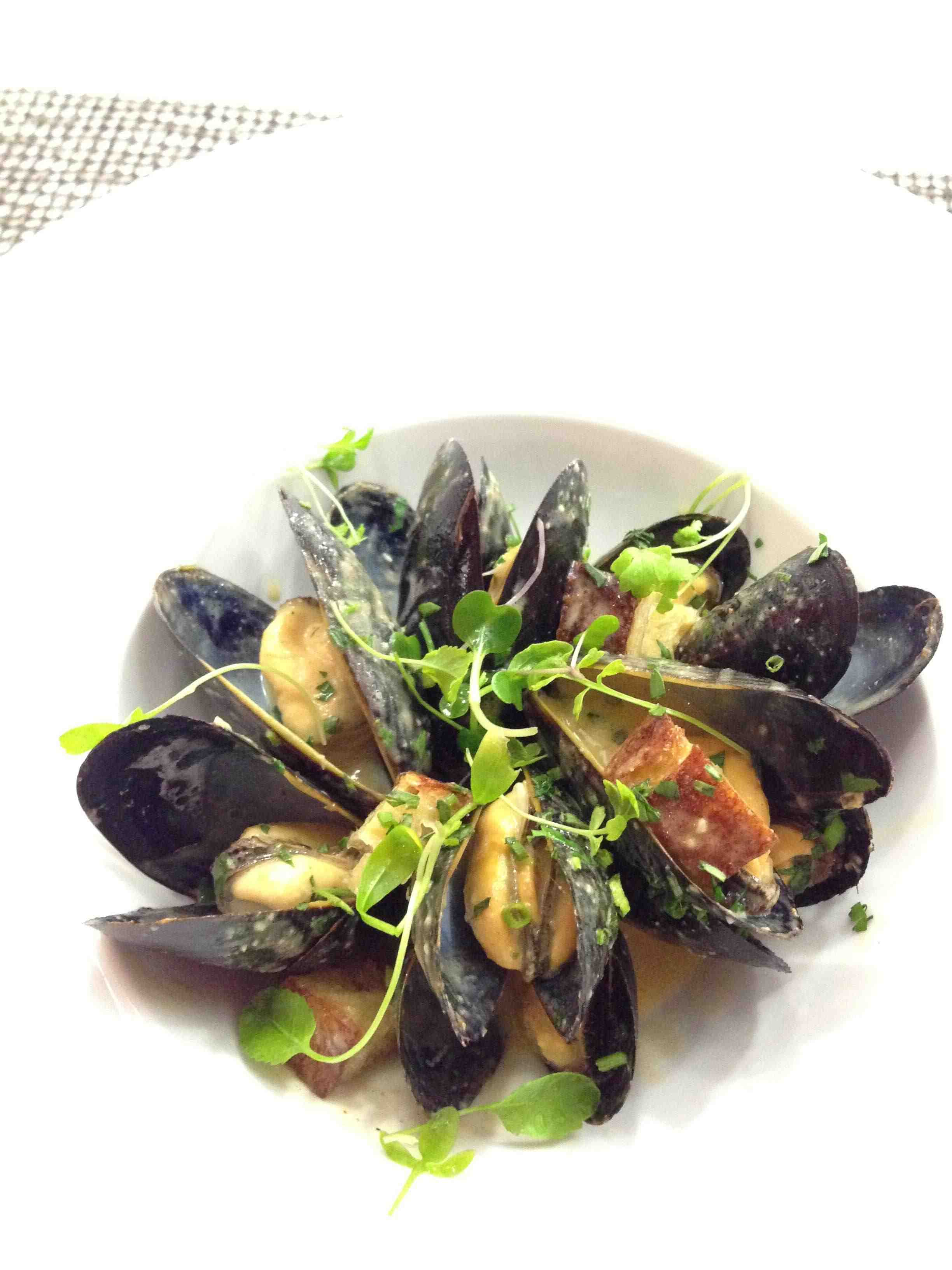 Elm Thai Curry Mussels